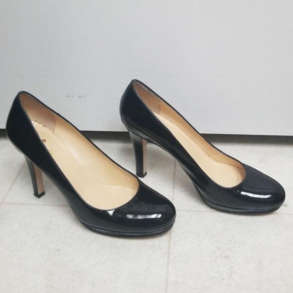 c7d5868835e3 kate spade Shoes - KATE SPADE Karolina Black Patent Leather Pumps EUC